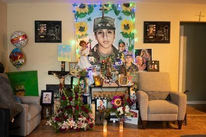 Altar en honor a Vanessa Guillén en la casa de su familia en Houston,Texas.