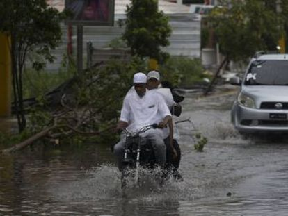 El poderoso huracán María vuelve a categoría 3 y deja atrás República Dominicana