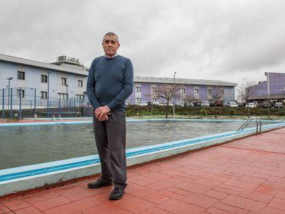 José Romero, este sábado frente a su establecimiento.