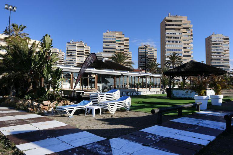 Imagen de un hotel vacío en Torremolinos (Málaga).