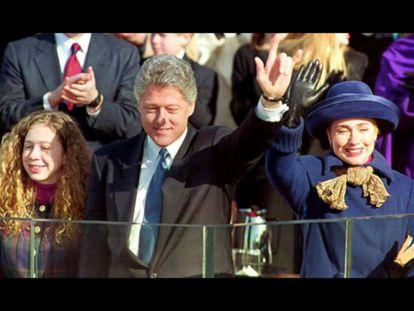 La familia Clinton durante la investidura de Bill Clinton como presidente, en 1993