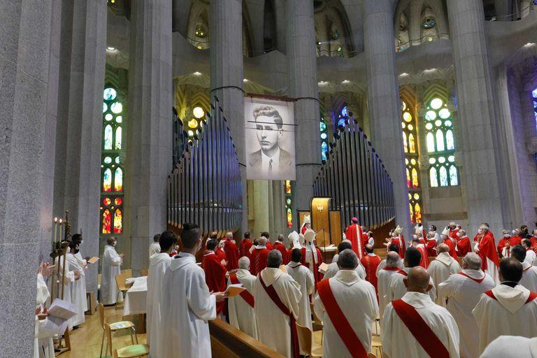 La ceremonia de beatificación de Joan Roig Diggle en la Sagrada Familia