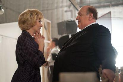 Janet Leigh (Scarlett Johansson) y Alfred Hitchcock (Anthony Hopkins), en un fotograma de 'Hitchcock'.