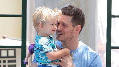 Michael Bublé y su hijo Noah, en una imagen de 2015.