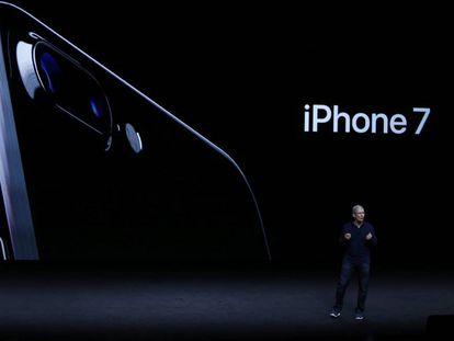 El presidente de Apple, Tim Cook, durante la presentación del iPhone 7