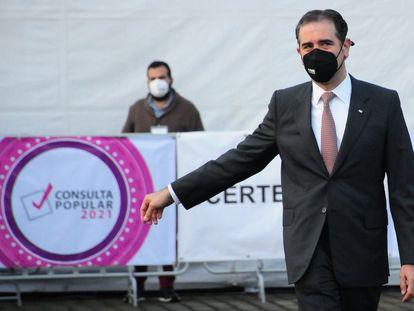 El presidente del INE Lorenzo Córdova, el 1 de agosto durante la consulta popular.