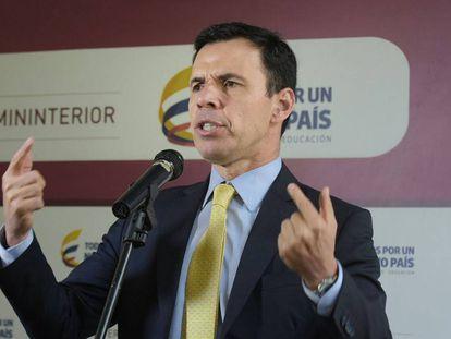 Guillermo Rivera, ministro del Interior, explica el futuro de la Ley Seca en Colombia.