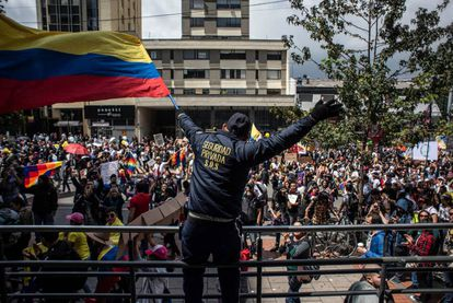El ambiente festivo marcó la mayor parte de la jornada de movilización en Colombia. Así fue durante la mañana en Bogotá.