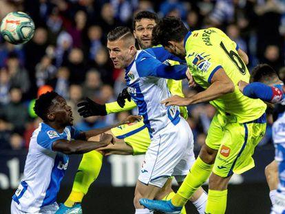 Cabrera anota el primer gol del Getafe ante el Leganés.
