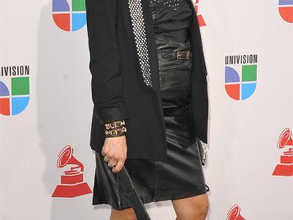 """Bebe ya es madre. La cantante dio a luz a su primer hijo el pasado sábado y no ha querido revelar ningún dato sobre el niño. Bebe <a href=""""http://www.elpais.com/articulo/agenda/Bebe/anuncia/espera/bebe/elpepigen/20091107elpepiage_1/Tes/"""" target=""""_blank"""">anunció que estaba embarazada</a> de cinco meses en noviembre durante la entrega de los premios Grammy Latinos en Las Vegas. La intérprete, que hace unos días apareció en avanzado estado de gestación en la presentación de una campaña contra la violencia de género, mantiene una relación sentimental con Álvaro desde hace cinco años."""