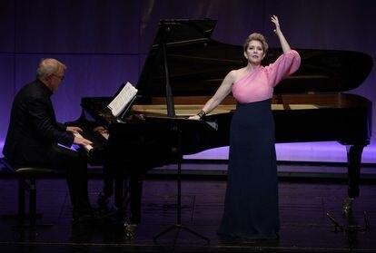 Joyce DiDonato, junto con el pianista Craig Terry, durante la interpretación de 'Arianna a Naxos' de Haydn.