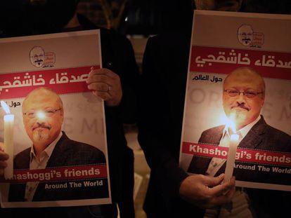 Vigilia por el periodista Jamal Khashoggi ante el Consulado de Arabia Saudí en Estambul en octubre de 2018.