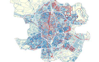 EL NUEVO MAPA DEL TRÁFICO EN MADRID. En azul, las calles que pasarán a estar limitadas a 30 por hora; en rojo, las que admiten una velocidad de 50 por hora; y en gris, las vías de alta ocupación como la M-30 o la M-40.