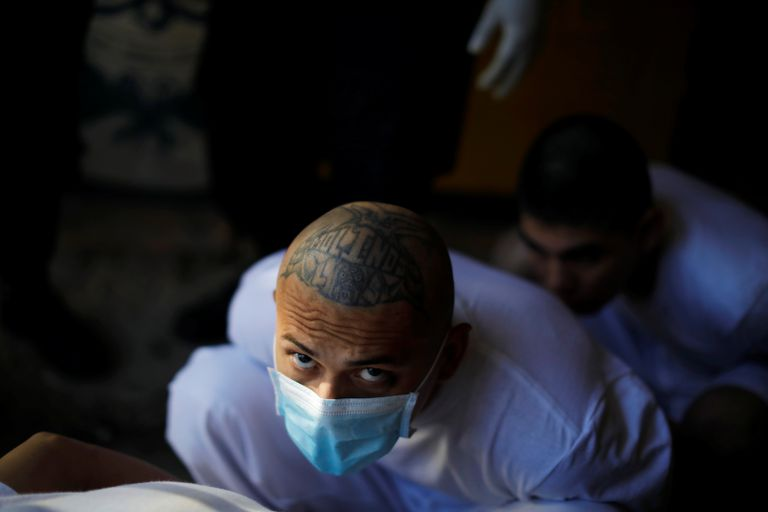 Un miembro de la Mara-13 en la prisión de Chalatenango, El Salvador.