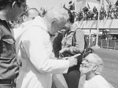 El Papa rehabilita al sacerdote nicaragüense al que Juan Pablo II prohibió administrar los sacramentos en 1984 por apoyar la revolución sandinista