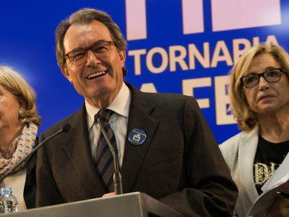 Artur Mas, Irene Rigau y Joana Ortega en la rueda de prensa del pasado día 13.