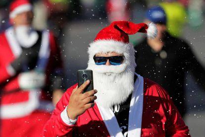 Un hombre vestido de Santa Claus en Monterrey (méxico), la pasada semana.