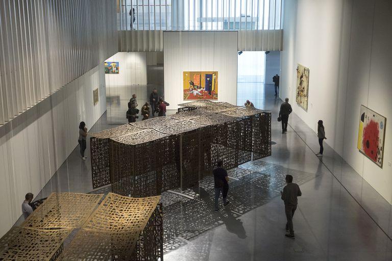 Esculturas de Cristina Iglesias en la exposición 'De Miro a Barceló. Un siglo de arte español', este jueves en el Centre Pompidou Malaga. Garcia-Santos