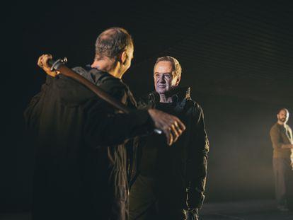 Escena de 'Macbeth', actualmente presentándose en el Teatro María Guerrero