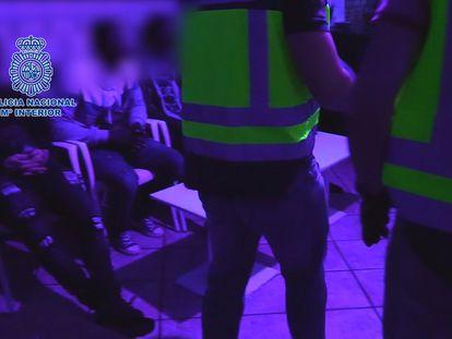 Varias de las personas detenidas por la Policía Nacional en Almería.