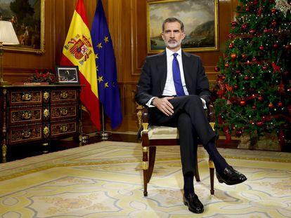 El rey Felipe VI pronuncia su tradicional discurso de Navidad, desde el Palacio de La Zarzuela.