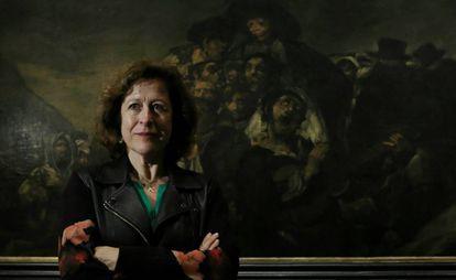 Berna González Harbour junto a 'La romería de San Isidro', este miércoles en el Museo del Prado.
