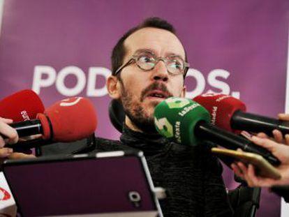 El secretario de Organización de Podemos rectifica después de que el candidato a la Comunidad dimitiera del Congreso el lunes
