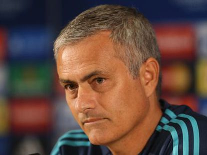 Mourinho durante la rueda de prensa de este lunes.