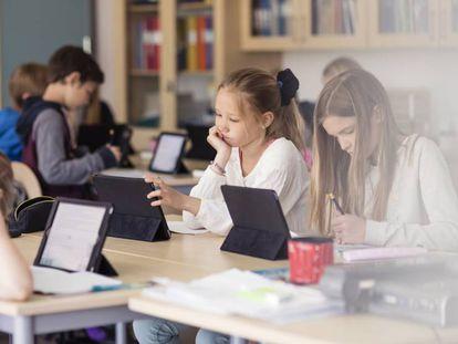Cuando la inteligencia artificial enseña en los colegios