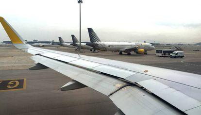 Aviones de la compañía Vueling en el Aeropuerto de El Prat.
