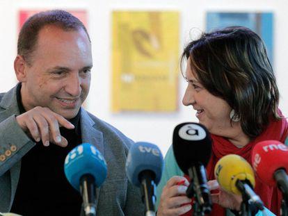 El vicepresidente Rubén Martínez Dalmau y la consejera Rosa Pérez Garijo, en una imagen de archivo.
