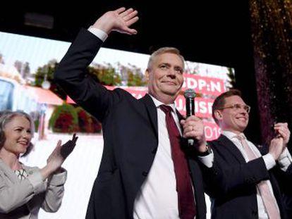 Los ganadores obtienen un 17,7% de los votos, apenas dos décimas más que los xenófobos Verdaderos Finlandeses