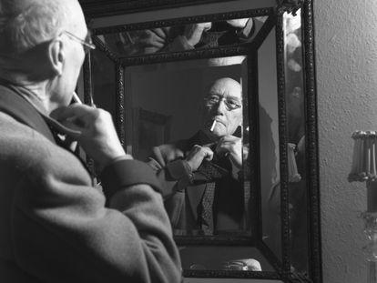 André Gide, en Neuchâtel, en 1948, un año después de recibir del Premio Nobel de Literatura.
