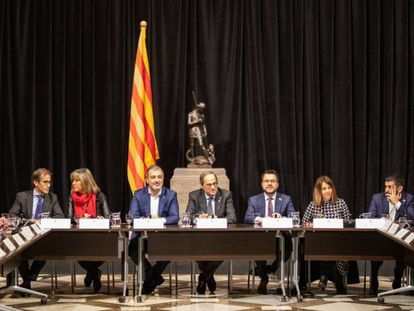 Reunión entre el Govern de la Generalitat y las empresas y administraciones relacionadas con el Mobile. En vídeo, declaraciones de Torra.