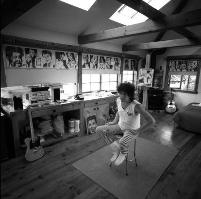 Bob Dylan en su estudio en Malibú (California). |