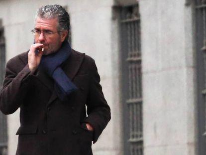 Francisco Granados, en las cercanías de la Audiencia Nacional en una de sus últimas comparecencias.