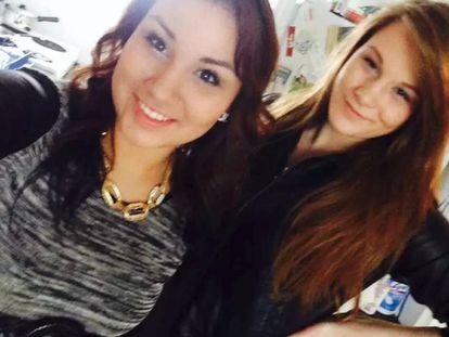 El 'selfie' del delito: Cheyenne Rose Antoine (izquierda) y Brittney Gargol en la foto que subieron a Facebook el día del asesinato de Gargol.