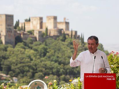 El alcalde de Sevilla y secretario general del PSOE-A, Juan Espadas, este miércoles durante su intervención en el homenaje del PSOE a Federico García Lorca en Granada.