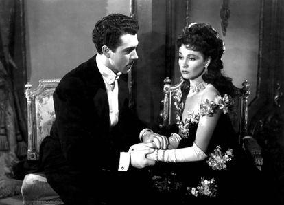 Kieron Moore y Vivien Leigh, en la versión fílmica de Ana Karenina dirigida en 1948 por Julien Duvivier.