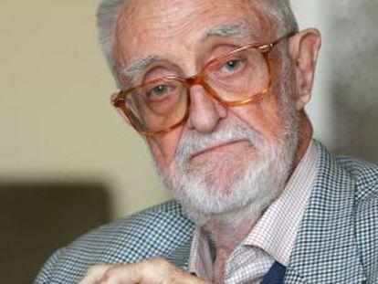 El escritor y economista, José Luis Sampedro.