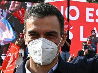 Pedro Sánchez, en el cierre de la campaña del PSOE en las elecciones de la Comunidad de Madrid.