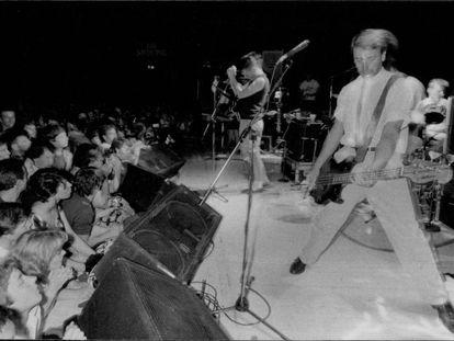New Order en concierto el 29 de noviembre de 1982