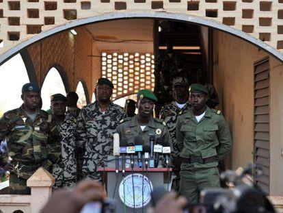 El jefe de la Junta Militar, Amadeu Sanogo, este martes cerca de Bamako.