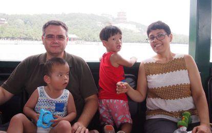 Encarni Moreno con su familia.