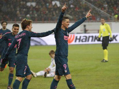 Torres celebra uno de sus dos goles al Lokomotiv.