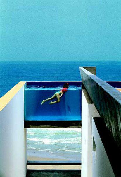 Casa Equis, en Playa Escondida (Cañete), de Sandra Barclay y Jean-Pierre Crousse.