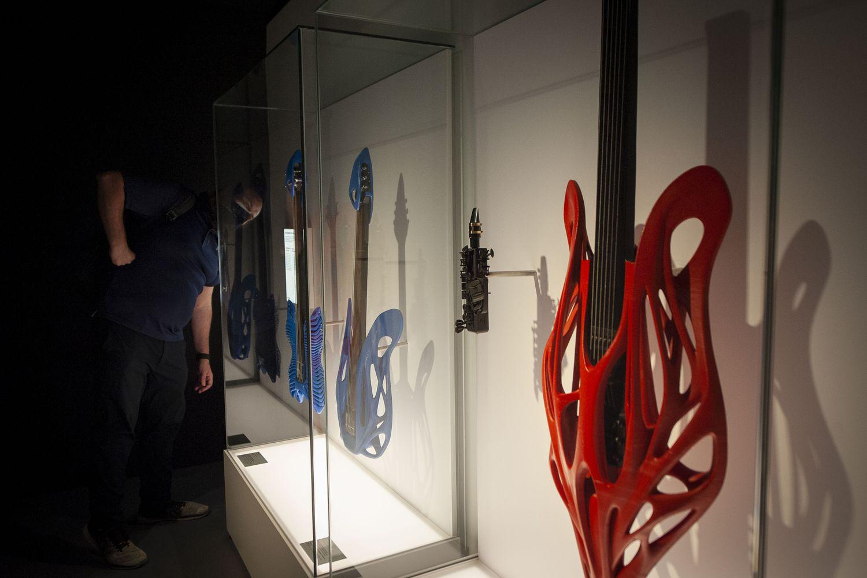 Imagen de instrumentos musicales generados por impresión en 3D, en la exposición de CosmoCaixa.
