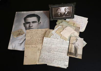La corespondencia, escrita en pequeñas octavillas y papel de fumar, que Santos Racionero envió a su familia desde la cárcel durante los tres meses que estuvo esperando la ejecución de su condena a muerte.