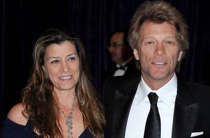 Jon Bon Jovi y su esposa Dorothea en la Cena de Corresponsales de la Casa Blanca en 2013.