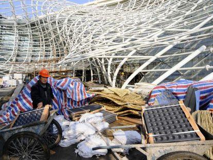 El pabellón de España para la Exposición Universal de Shanghái en su estado actual, tras perder la cubierta.